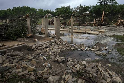 In Texas Flood, a Last Phone Call as Home Is Swept Away - WSJ