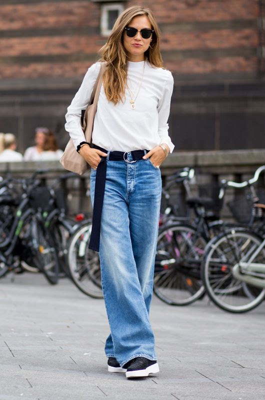 3 Le Fashion Blog 7 Cool Ways To Wear Baggy Jeans Ray Ban Clubmaster Veneda Budny Street Style Via The Urban Spotter photo 3-Le-Fashion-Blog-7-Cool-Ways-To-Wear-Baggy-Jeans-Ray-Ban-Clubmaster-Veneda-Budny-Street-Style-Via-The-Urban-Spotter.jpg
