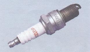 статья про проверка и замена свечей зажигания ВАЗ 2106