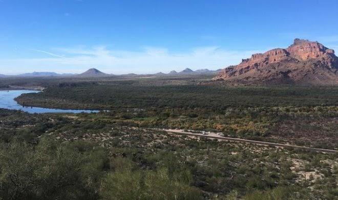 Почему крупнейшие мировые производители чипов строят заводы в пустыне Аризоны