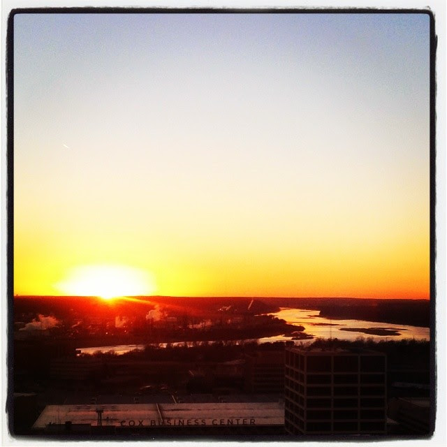 #sunset #arkansasriver #oneokplaza #downtowntulsa #igersok