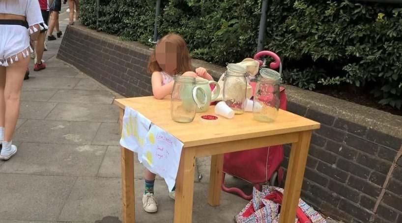Resultado de imagem para Menina multada por vender limonada recebe dezenas de ofertas de trabalho