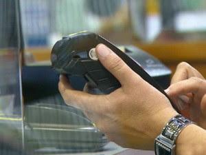 Consumidores levam em média seis meses para quitar dívidas em Campinas (Foto: Reprodução EPTV)