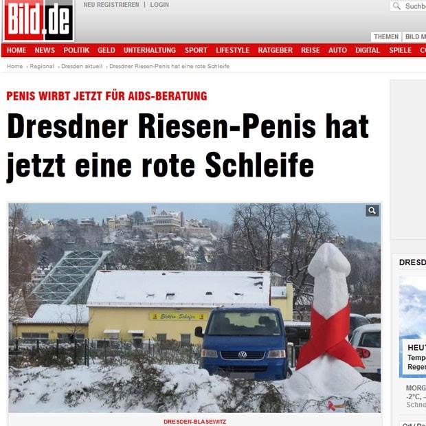 Pênis de neve ganhou uma 'gravatinha' contra a Aids (Foto: Reprodução/Bild)