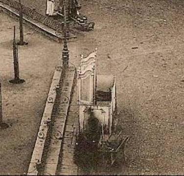 Urinarios de Zocodover hacia 1900.