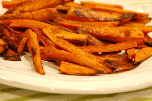 Baked Sweet Potato Fries with Zesty Lime Sriracha Mayo by Eve Fox, the Garden of Eating blog, copyright 2014