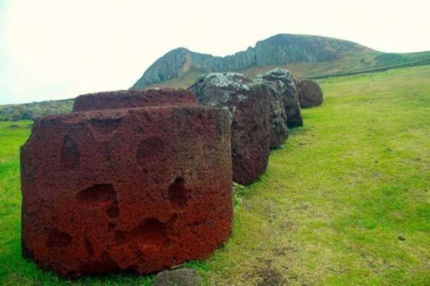 http://www.ancient-origins.net/sites/default/files/styles/large/public/Pukao-stones.jpg?itok=tWwqXwfW