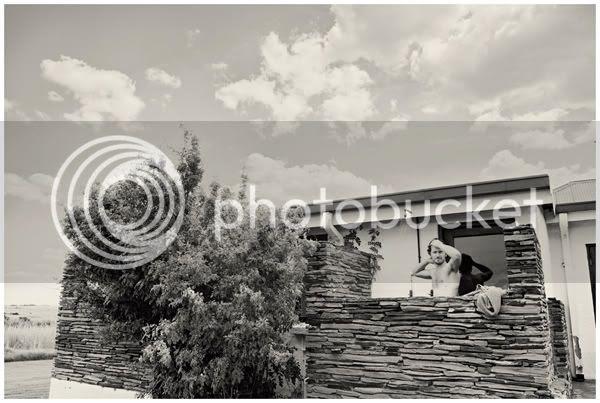 http://i892.photobucket.com/albums/ac125/lovemademedoit/dj021-1.jpg?t=1279400716