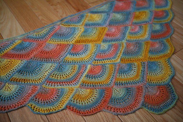 Optim Fan Shawl