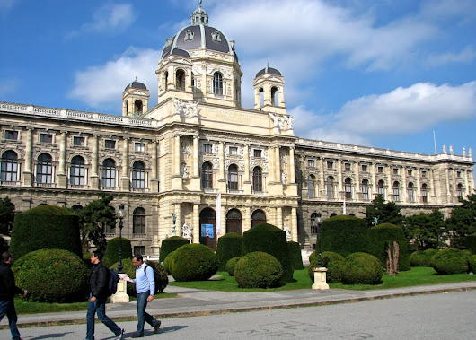 Explore gems in the most famous boulevard of Vienna