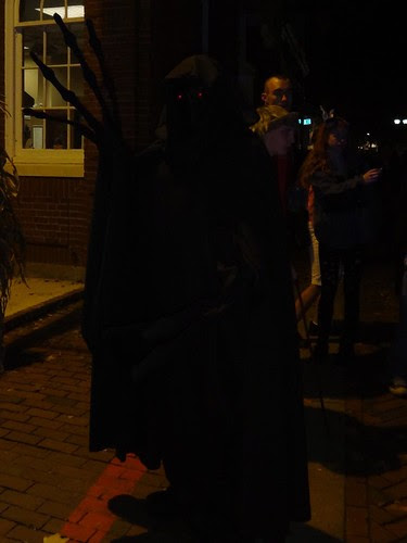 2012 Halloween Salem Creep in Darkness
