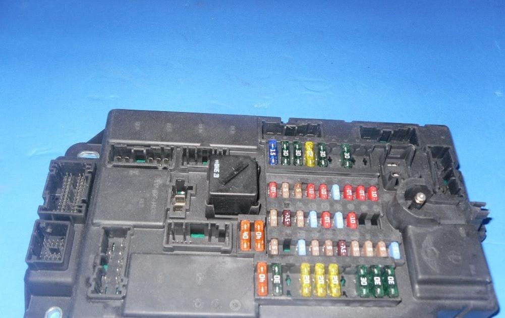 2003 Mitsubishi Montero Fuse Box
