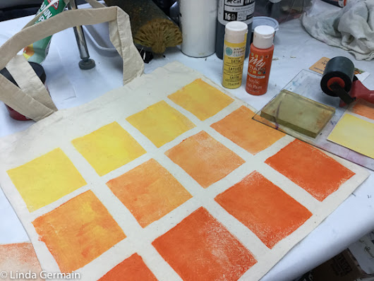 Printing a Tote bag with small gelatin plate - Linda Germain