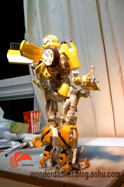 114f3108b18 Garoto Chinês constrói Transformer usando sucata   Curiosidades