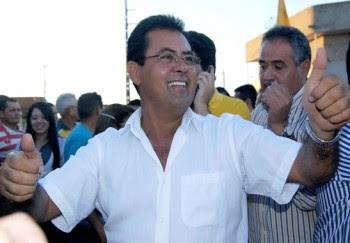 População faz festa para Raimundinho da Audiolar