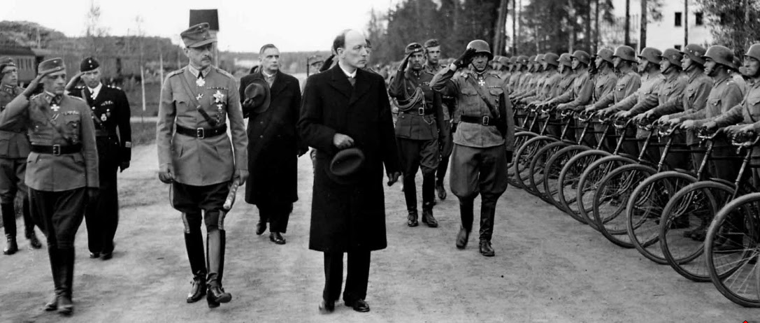 Risto Ryti and Carl Mannerheim reviewing troops at Enso, Finland, 4 Jun 1944