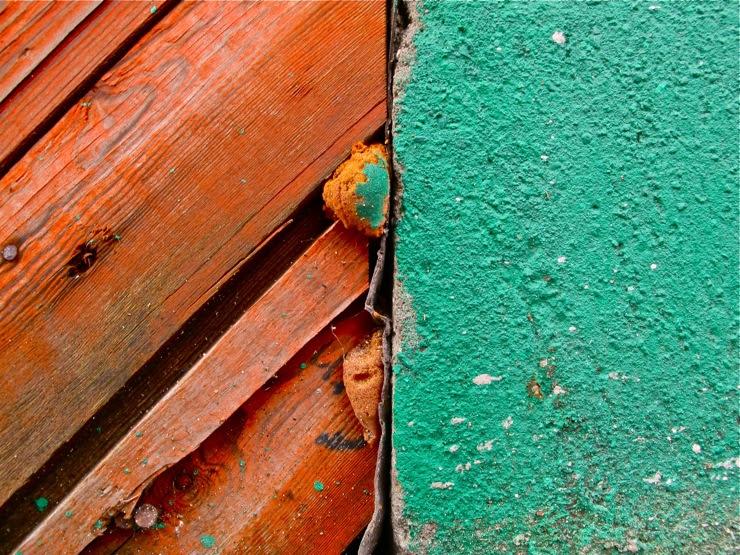 Green vs. orange