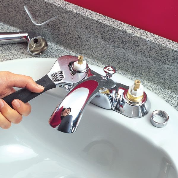 Kitchen Sink Faucet Leaks Around: Home Remodeling: How To Repair A Leaky Bathroom Sink