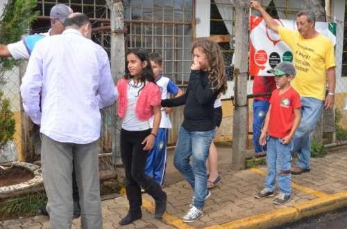 Pinhão - Prefeito faz visita em escolas e obras
