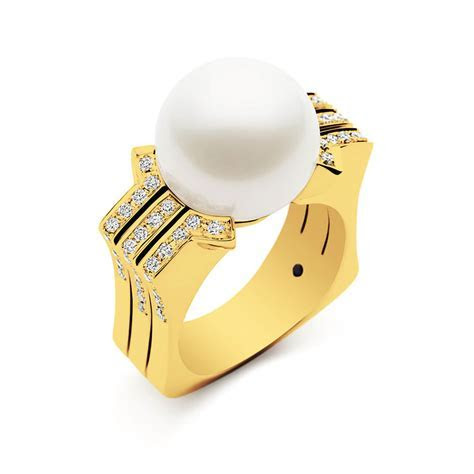 Metropolis Ring, Yellow Gold   Musson Jewellers