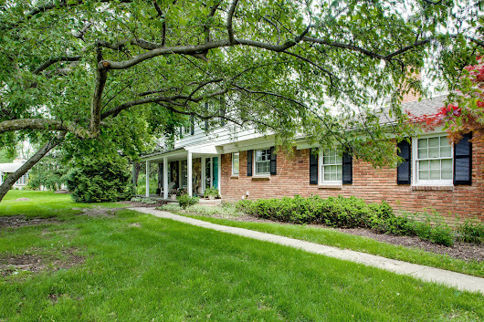 26082 Meadowview Dr Farmington Hills MI | Serene Colonial