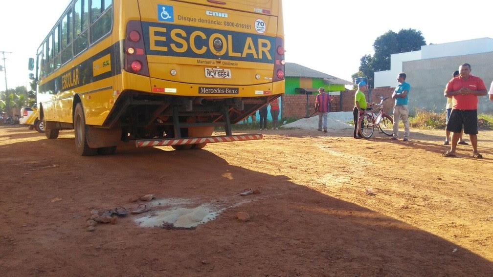Veículo atingiu crianças em cruzamento de Rolim (Foto: Rondônia News/Reprodução)