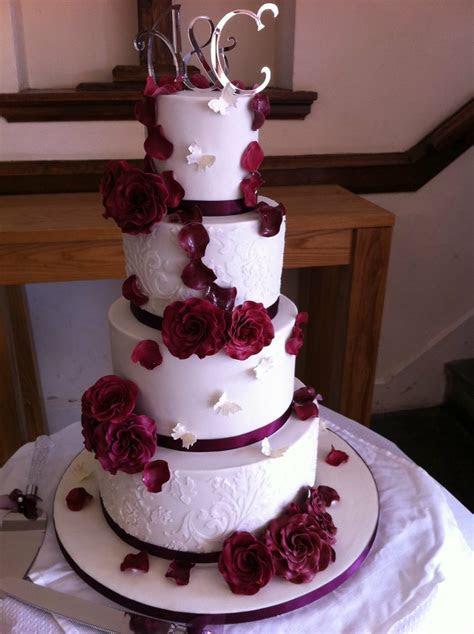 4 tier wedding cake   4 tier sponge cake, each tier 6