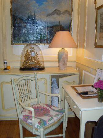 Hotel Castan: Interior of Bedroom