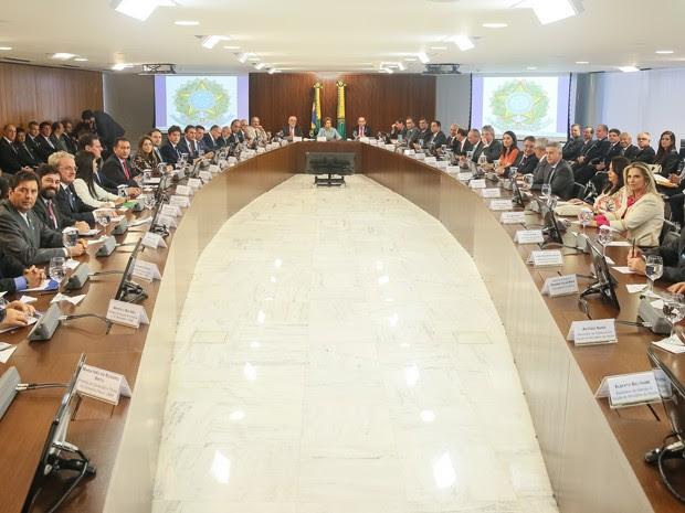 Dilma Rousseff durante reunião com governadores no Palácio do Planalto (Foto: Roberto Stuckert Filho/Presidência)