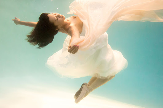 Underwater Portraits with Directed Light