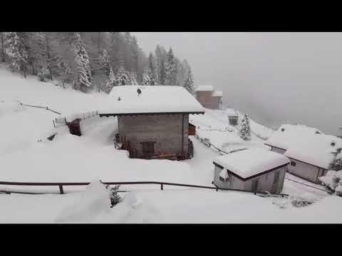 Chavalense registra rotina de neve na Itália