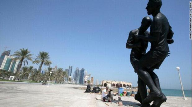 gal.Zidane.statue.qatar.thr.jpg_-1_-1