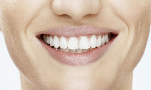 Want whiter teeth? Munch on dark chocolate, cheese and strawberries