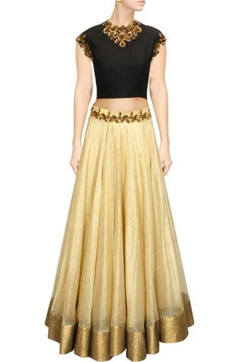 Offwhite matka silk lehega choli ? Panache Haute Couture