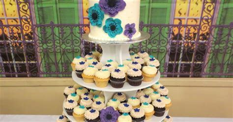 Stuffed Cakes: Purple and Teal Wedding Cutting Cake and