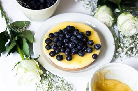 How to Decorate a Cheesecake 3 Easy Ways
