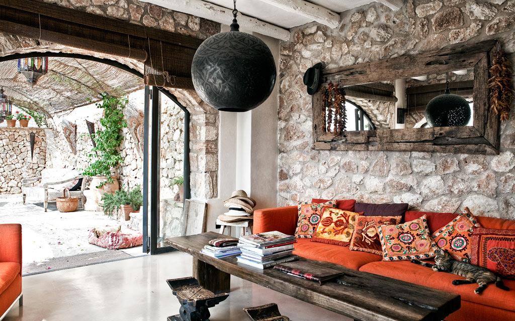 Decordemon a renovated finca on the island of mallorca - Pared rustica interior ...