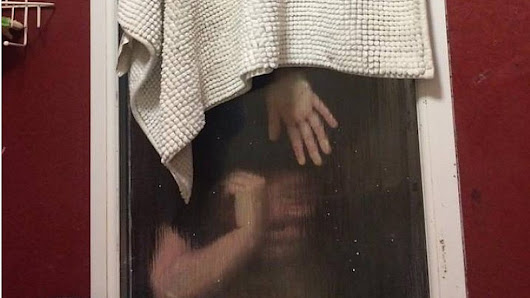Woman trapped in window trying to retrieve poo after Tinder date - BBC News