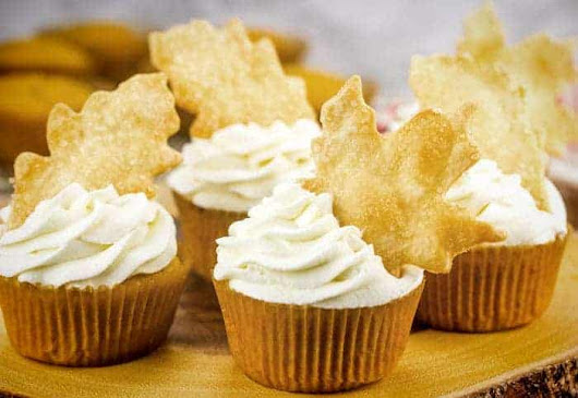 Pumpkin Pie Cupcakes with Pie Crust Cut-Outs - i am baker