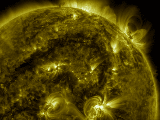 Thermonuclear Art: 30 Minutes Of Solar Flares At 4K Resolution -