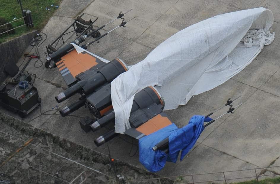 Imagen nuevo X-Wing set de Rodaje Star Wars Episodio VII Berkshire