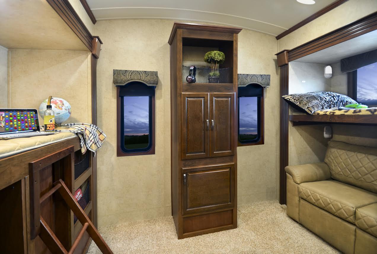 Lifestyle Luxury Rv S Alfa Gold Bunkhouse Model Has It All