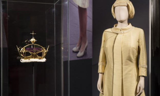 An outfit and corenet in the exhibition