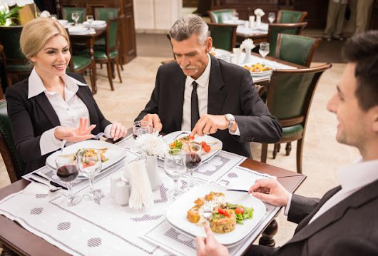 15 Things Never, Ever To Do At A Business Lunch