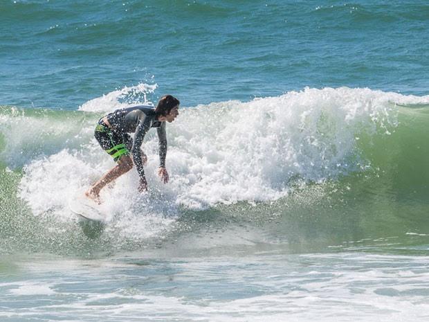 Vitti também manda bem nas ondas; veja todas as fotos! (Foto: Artur Meninea/Gshow)