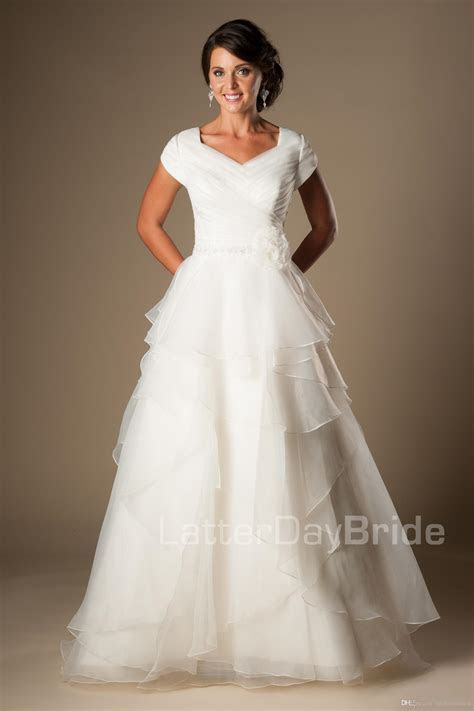 Discount Simple Ivory Organza Modest Wedding Dresses With