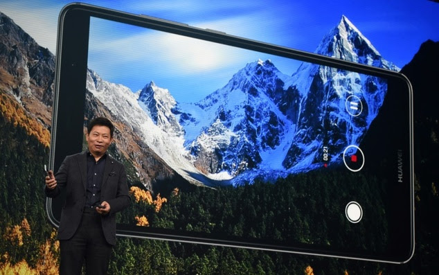 Richard Yu, CEO of Huawei Consumer Business Group, presents the new Huawei Mate 9 high-end-phablet during the Huawei Global Product Launch in Munich, in Nove...