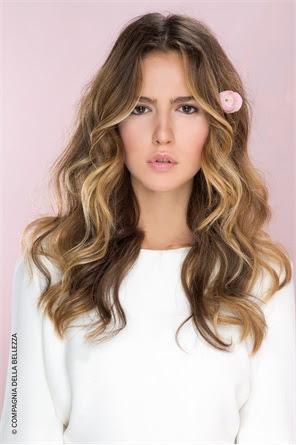capelli castani con ciocche bionde - Foto Meches per dare luce e riflesso ai tuoi capelli Album di foto