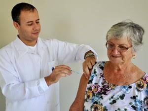 Em Cianorte, 73% das pessoas que fazem parte do grupo prioritário foram vacinadas (Foto: Divulgação/Ascom/ Débora Fuzimoto)