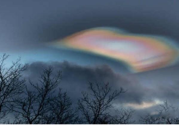 Μαργαρώδη σύννεφο εμφανίστηκε στον Ουρανό της Σουηδίας.